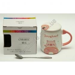 "R798 Чашка керамика ""Doughnut"" + крышка + ложка (свинка машет)"